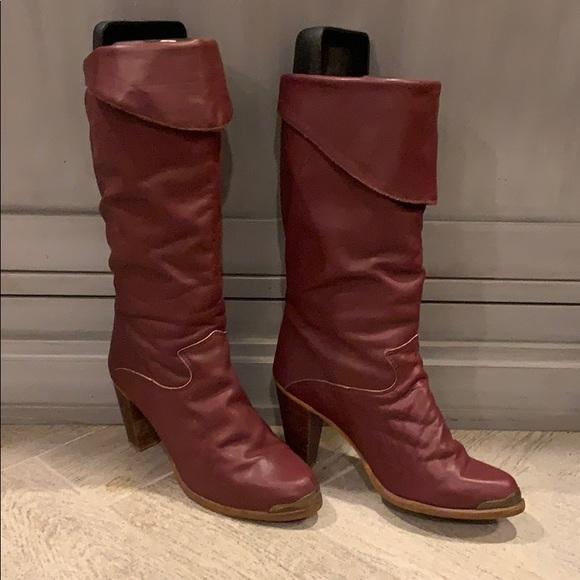 62078c3f26db5 Vintage Zodiac boots